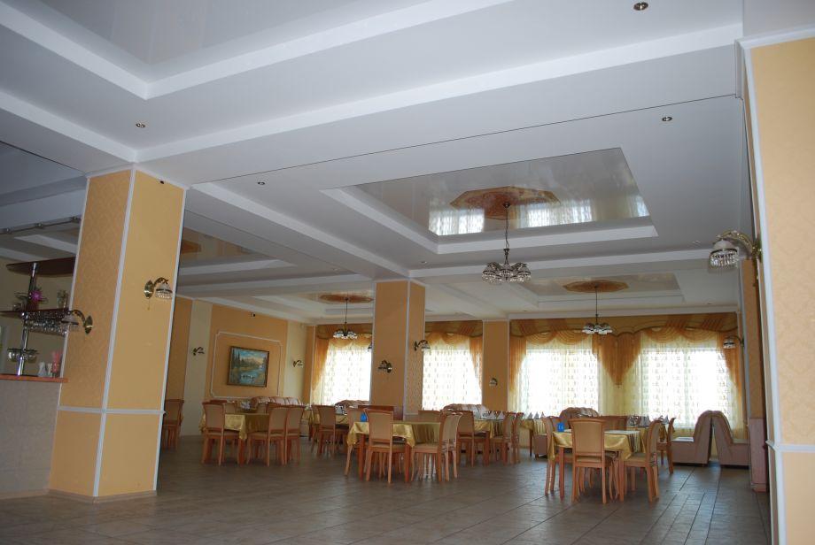 Натяжной потолок в кафе, ресторан